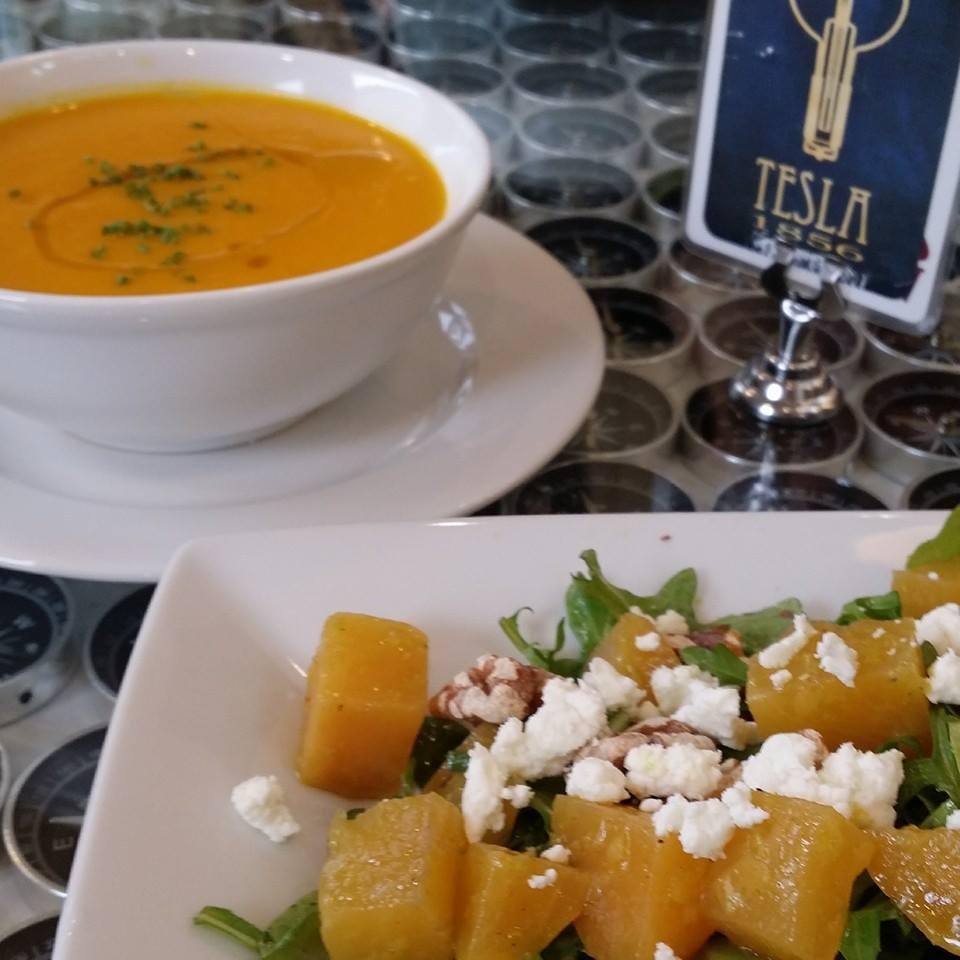 food-tesla-compass-table-soup-salad